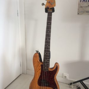 Fender_Jazz_Precision_location